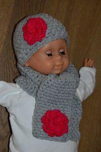Muts en sjaal baby http://giftsmadebyme.jouwweb.nl/sjaals-mutsen-en-poncho-s/sjaals-en-mutsen-2 #winter #baby #meisje #muts #sjaal #gehaakt #bloem