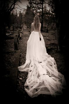 Styling by S.Tinna Miljevic  #style #corpsebride #stinna #skirt #cemetery #photography #photograph #black #white