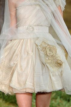 Special touches on this bridal gown.