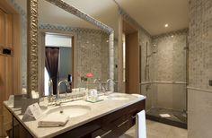 Hotel Casa Fuster Deluxe Bathroom