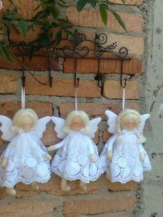 67 ideas crochet kids gifts christmas for 2019 Nativity Ornaments, Christmas Ornaments To Make, Christmas Sewing, Angel Ornaments, Beaded Ornaments, Christmas Bells, Felt Christmas, Christmas Angels, Handmade Christmas