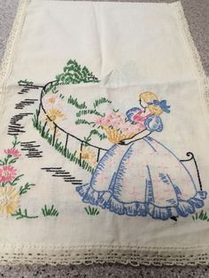 Vintage Embroidered Dresser Scarf Table Runner Southern Belle Bouquet Flowers