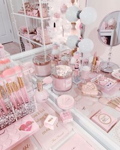 Makeup Room Decor, Makeup Rooms, Cute Room Ideas, Cute Room Decor, Rangement Makeup, Deco Rose, Bedroom Wall Collage, Aesthetic Room Decor, Aesthetic Pastel Wallpaper