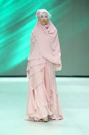 Muslim wedding dress and khimar by si.se.sa. Indonesia Fashion Week 2014