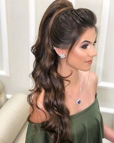 How To Create The Perfect Ponytail – Best Tips And Hacks – Hairdo Chicks Curly Hair Styles, Long Curly Hair, Wavy Hair, Medium Hair Styles, Curly Girl, Fancy Hairstyles, Winter Hairstyles, Ponytail Hairstyles, Wedding Hairstyles