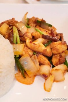 Our 7 Favorite Places To Eat Best Thai Food In Bangkok Bangkok Travel Guide, Thailand Travel, Chicken And Cashew Nuts, Thailand Restaurant, Best Thai Food, Best Places To Eat, Thai Recipes, Eating Well, Street Food