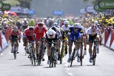 Tour de France, 2016. stage 1. MARK CANVENDISH vence al sprint, a MARCEL KITTEL y a PETER SAGAN.