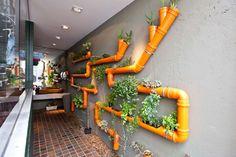 DIY tubo de plástico parede do jardim - jardins para a vida