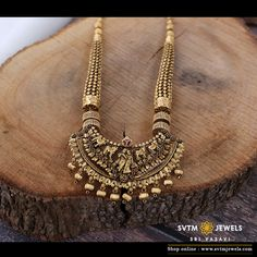 Buy gold necklace online from SVTM Jewels, traditional jewellers in India. Buy from wide range of Indian gold necklace designs, bridal kundan jewelry sets, gold necklaces and jewellery sets. Gold Temple Jewellery, Silver Jewellery Indian, Gold Jewellery Design, Gold Jewelry, Bridal Jewellery, Antique Jewelry, Designer Jewellery, Latest Jewellery, Wedding Jewelry