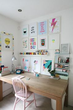 How to create colourful gallery walls with Etsy UK. I show you how to do a Spring refresh of the rooms at home on a limited budget. Home Office Design, Home Office Decor, House Design, Creative Office Decor, Workspace Inspiration, Room Inspiration, Study Room Decor, Trendy Home Decor, Aesthetic Room Decor