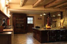 Belgie- leuk en zeer betaalbaar huis tot 12 personen - van deze keuken krijgen wij al zin om te gaan! -Au vieux pommier de Sart