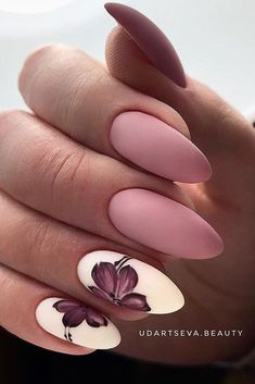 But today we want to recommend almond shaped nails for you The almondshaped nails are slightly slender on both sides and the bottom is also wide It looks like a real almond Almond nails are a beautiful shape, and there is definitely a lot of room - # Cute Acrylic Nails, Cute Nails, Pretty Nails, Almond Shape Nails, Almond Nails, Nails Shape, Perfect Nails, Gorgeous Nails, Hair And Nails
