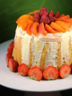 Fruit charlotte with mascarpone - - Charlotte Dessert, Charlotte Au Fruit, Charlotte Cake, Fancy Desserts, Just Desserts, Cheesecake Recipes, Dessert Recipes, Dessert Aux Fruits, Cobbler