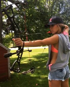 Gunny bunnies are Sexy Hunting Uniform Girls Photos Military Monday : theCHIVE Crossbow Targets, Diy Crossbow, Crossbow Arrows, Crossbow Hunting, Archery Hunting, Archery Targets, Bow Hunting Girl, Bow Hunting Women, Deer Hunting