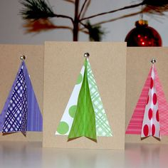 3D Christmas Tree Greeting Card    Inside - happy holidays    Please contact the seller with details of your order. We are always willing to customize.  Need more than one? Contact seller for a discount on larger quantities.    size 4.25X5.5  Comes with envelope. You can always request a color for the envelope, but we usually just choose what looks best from our inventory.