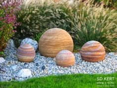 Jupiter - stone balls in the garden - Kőgolyók a kertben Nature, Cosmos, Balls, Planets, Gardening, Naturaleza, Lawn And Garden, Nature Illustration, Off Grid