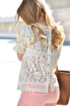 Lace On Denim ( Lace T-Shirts & Jeans ) ༺✿ƬⱤღ  http://www.pinterest.com/teretegui/✿༻