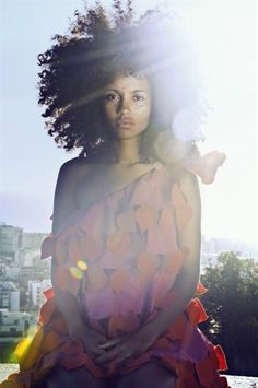 Elizabeth Almeida and her beautiful afro shining bright. (1) Tumblr
