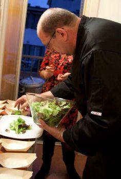 Immaginiamo Cucina In come un contenitore, di cose, di persone, di esperienze e di attività; il tutto in modo trasparente dove ogni cosa riguardante la cucina diventa bello e perfetto.