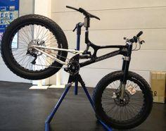 Phil Wood Shows Converted Santa Cruz V10 DH Fat Bike - Plus New Track Crankset  Seat Collars #fatbike #bicycle