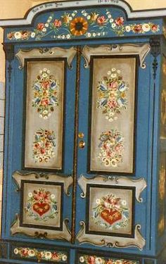 """friedeljenal.  Norwegian """"Rosemaling"""" is a painting technique.  One would see alot of this in Minnesota.  Still taught today in """"Adult Education"""" classes in Minnesota.  Ubetcha!:"""