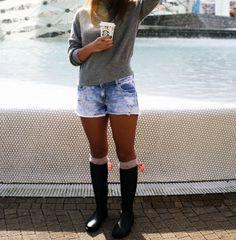 GUMMIE wellies <3 With sweet bows! OOTD www.gummiestore.com Ootd, Sweet, Pants, Fashion, Candy, Trouser Pants, Moda, Fashion Styles, Women's Pants