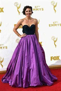 Emmy Awards 2015: Maggie Gyllenhaal in Oscar De La Renta