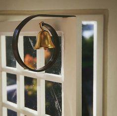 Shop doorbell.   AnniRose dollhouse Mini Stuff, Dollhouses, Miniatures, Mirror, Shop, Home Decor, Tutorials, Ideas, Decoration Home