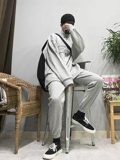 Fashion and Lifestyle Korean Fashion Men, Korean Street Fashion, Best Mens Fashion, Ulzzang Fashion, Korean Men, Boy Fashion, Fashion Outfits, Gents Clothes, Moda Outfits