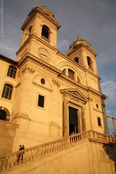 Trinita dei Monti...high above The Spanish Steps To discover more about #Rome and its churches, check our tours on www.youtourroma.com/