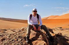 Il punto di partenza. Da qui si entra nel  #Deserto del #Namib il deserto più #antico del #mondo.  E quando sei dentro... Coming   #Desert #Namibia #africa #namibdesert #ig_africa #desert #walking #Red #dune