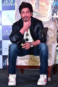 Shah Rukh Khan at the song launch of 'Dear Zindagi' in New Delhi. #Bollywood #Fashion #Style #Beauty #Hot #Handsome