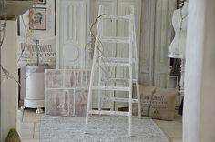 Vintage Garderoben - Tolle antike Standleiter im neuen weißen Kleid - ein…