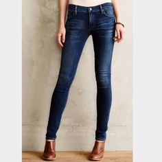 """Citizens of Humanity: Avedon skinny - size 31 Avedon low rise skinny with purposeful distressing throughout!! These are in excellent condition! Inseam 31.5"""", Rise 8"""". They measure 16.25"""" across the waist when laying flat. Citizens of Humanity Jeans Skinny"""