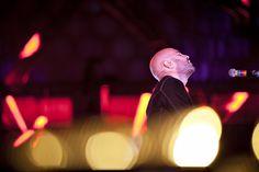 """L'attesa per il ritorno dei Negramaro a casa è evidente: la band guidata da  Giuliano Sangiorgi sarà allo stadio Via del Mare di Lecce il 26 luglio. E per  far crescere le aspettative sul loro concerto del tour """"Un amore così grande"""",  la città ospita da"""