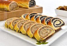 Baigli sau beigli este un cozonac unguresc cu umplutura bogata de nuca sau mac. Hungarian Desserts, Romanian Desserts, Romanian Food, Hungarian Recipes, Sweets Recipes, Just Desserts, Baking Recipes, Cookie Recipes, Pastry And Bakery