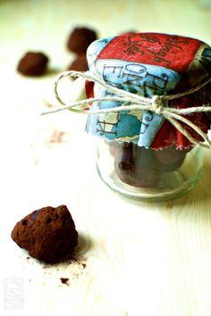 Non avete idee per un regalo last-minute? Provate i miei tartufini al cioccolato fatti in casa!