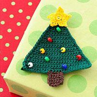 Crochet a Christmas Tree Gift Topper ~ free pattern