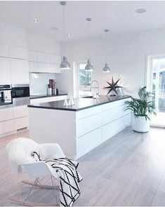 8 veces he visto estas radiantes cocinas abiertas. Kitchen Room Design, Kitchen Sets, Open Plan Kitchen, Modern Kitchen Design, Home Decor Kitchen, Kitchen Living, Kitchen Interior, Home Interior Design, Home Kitchens