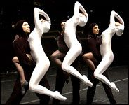 With Earthly Tricks, Momix Conjures Up a Moon Dance - New York Times
