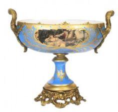 https://www.casa-padrino.de/casa-padrino-baroque-porcelain-dish-light-blue-gold-grand-decor-hotel-decoration/dekoration/a-94706/
