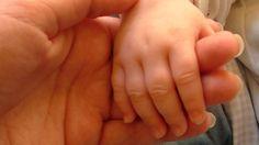 ДАНАК У КРВИ! Вучић је почео и нашу децу да продаје странцима  У граду на Бегеју данас протест због одузимања петогодишњег малишана из хранитељске породице. Све се десило на препад, за три дана, каже хранитељка. Љиљана по закону због година не може да усвоји дете �