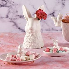 We love this cute little rabbit dish from @meandmytrend! Glazed white ceramic - this is perfect for the bedroom bathroom or kitchen! Use for your jewellery or other treasures or in the kitchen for nibbles and treats. They also make the sweetest gifts <3 #rabbitbowl #homedecor #treatsbowl #forkeepsstore