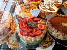 French bakery cakes (Boulangerie)