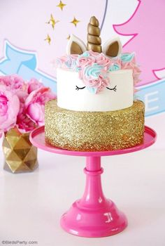 Eenhoorn verjaardagstaart Recept - Gâteaux et desserts - Diy Unicorn Cake, Unicorn Cake Pops, How To Make A Unicorn Cake, Unicorn Birthday Parties, Unicorn Party, 5th Birthday, Birthday Ideas, Diy Birthday Cake, Bolo Diy