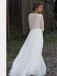 Spitzenbesetztes Brautkleid im Vintage-Stil mit fließendem Rock und 3/4-Ärmeln. Day Dresses, Formal Dresses, Lace Wedding, Wedding Dresses, Vintage Stil, Boho, Neue Trends, Dress Shoes, Beautiful