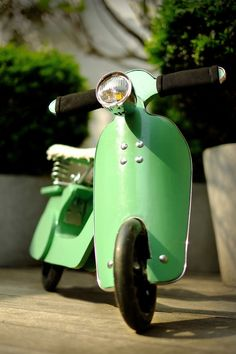 Vespa balnce bike / retro balance bike