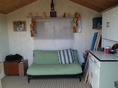 1000 images about beach hut interiors on pinterest for Beach hut interior ideas
