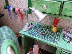 ~ by Maria Van G diaryofaminiaturist.blogspot.nl REALLY GOOD IDEAS LS RIBBON HOLDER