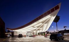 Union 76 Gas Station - Beverly Hills - Gin Wong, 1965